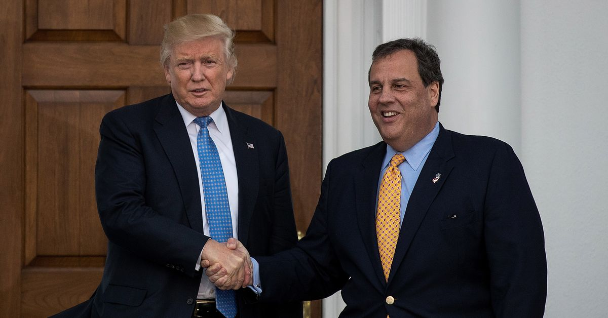 Trump Dropped Christie Over Cell-Phone Germs, or Maybe All the Other Problems