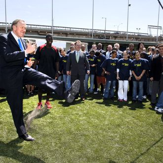 Governor George Pataki and Eddie Johnson Join NY Youth for Grand Opening of Pier 40 Athletic Field