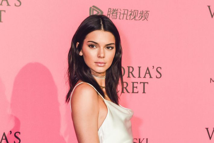 Kendall Jenner Literally Painted Her Room Pink Because It's An Appetite-Suppressant