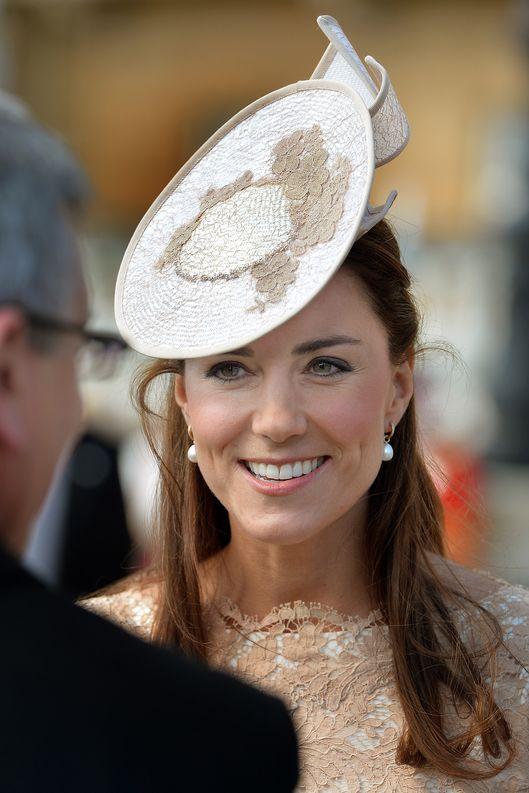 Kate middleton pearl earrings