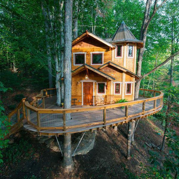 America's Smallest Castle in Asheville, North Carolina