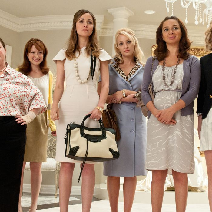 Movie Review In Bridesmaids Chick Flick Meets Raunchy Comedy With Hilarious Results Movie Review Vulture