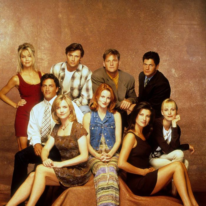 File:?MP-00018087.jpg Size:?6.36 MB Movie/Show Name:?Melrose Place Season:?03 Year:?1994-95 Description:?Gallery Photo - Heather Locklear (Amanda Woodward), Grant Show (Jake Hanson), Doug Savant (Matt Fielding), Thomas Calabro (Dr. Michael Mancini), Andrew Shue (Billy Campbell), Courtney Thorne -Smith (Alison Parker), Laura Leighton (Sydney Andrews), Daphne Zuniga (Jo Reynolds), Josie Bissett (Jane Andrews Mancini) Photo Credit: CBS Studios