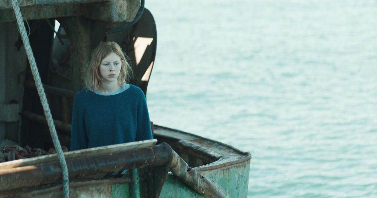 Sea Fever Review: An Eerie, Irish Quarantine Horror Movie
