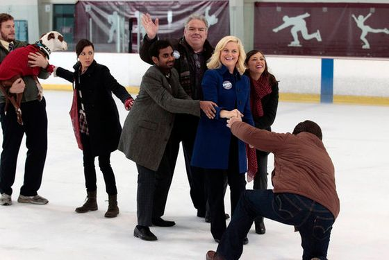 "PARKS AND RECREATION -- ""Comeback Kid"" Episode 411 -- PIctured: (l-r) Chris Pratt as Andy Dwyer, Aubrey Plaza as April Ludgate, Aziz Ansari as Tom Haverford, Amy Poehler as Leslie Knope, Rashida Jones as Ann Perkins, Nick Offerman as Ron Swanson -- Photo by: Chris Haston/NBC"