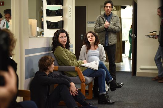 "PARENTHOOD -- ""How Did We Get Here"" Episode 610 -- Pictured: (l-r) Miles Heizer as Drew Holt, Lauren Graham as Sarah Braverman, Mae Whitman as Amber Holt, Ray Romano as Hank Rizzoli -- (Photo by: Colleen Hayes/NBC)"