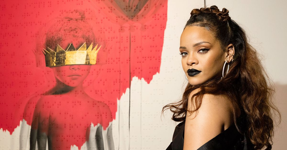 Ai từng dè bỉu 'beauty blogger' Rihanna lơ là làm nhạc thì chuẩn bị nhận một lúc… 2 album 4