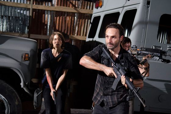 Maggie Greene (Lauren Cohan), Rick Grimes (Andrew Lincoln) and Daryl Dixon (Norman Reedus) - The Walking Dead - Season 3