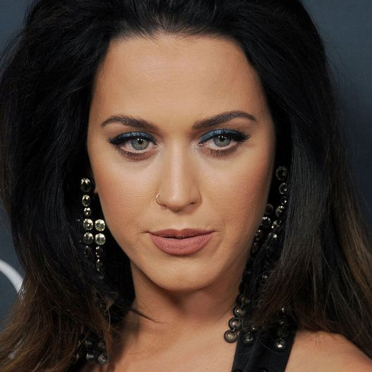 Katy Perry Sang Gospel for a Bunch of Nuns (But They Still Don't ... Katy Perry