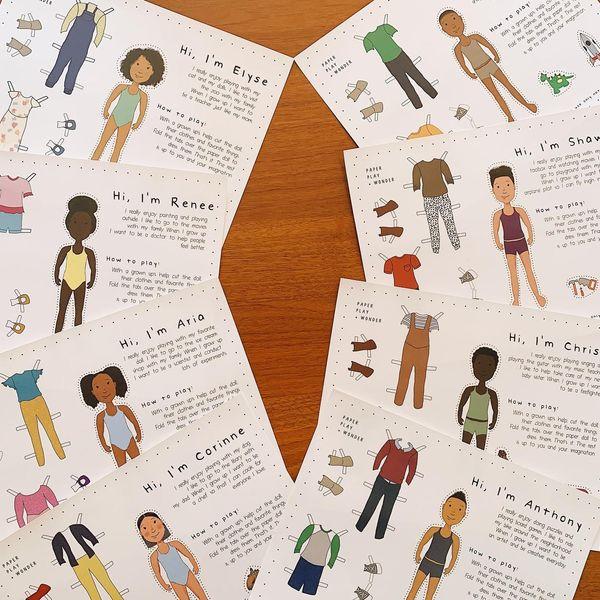 Paper Play and Wonder Ensemble complet de Paper Doll Friends