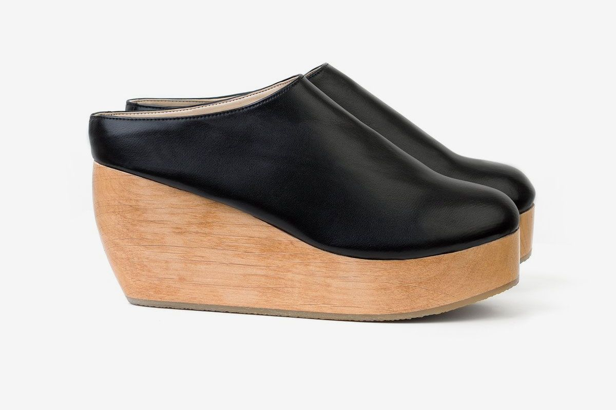 f05e47995641 Best vegan clogs. Sydney Brown Clog