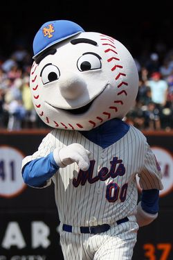 NEW YORK, NY - AUGUST 21:  'Mr. Met' performs during the game between the New York Mets and the Milwaukee Brewers at Citi Field on August 21, 2011 in the Flushing neighborhood of the Queens borough of New York City. The Brewers defeated the Mets 6-2.  (Photo by Jim McIsaac/Getty Images)