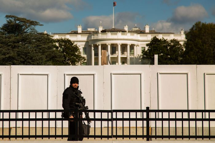 With 'Non-scalable' Fence, White House Barricades Itself In