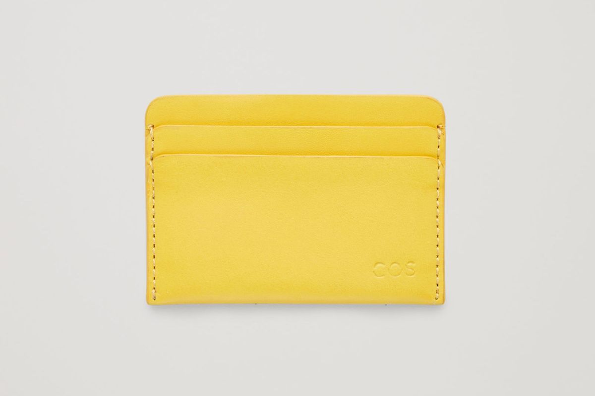 Best Wallets And Cardholders For Women And Men 2019 The Strategist