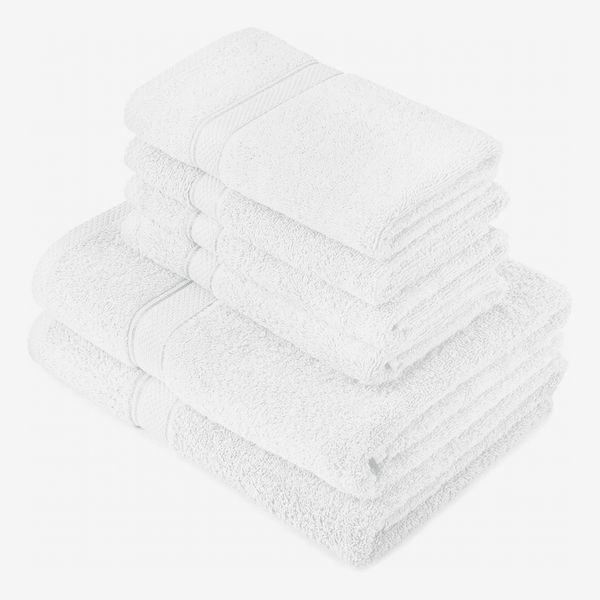 Pinzon by Amazon - Egyptian Cotton Towel Set, 2 Bath and 4 Hand Towels - White, 600gsm