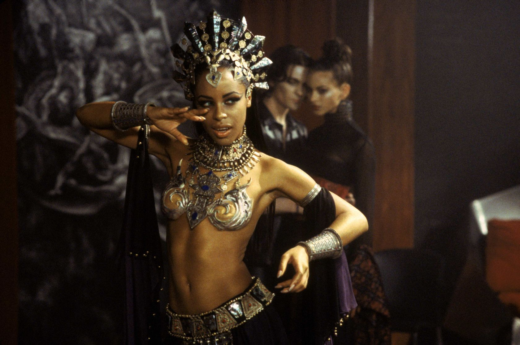 Queen Akasha Queen Of The Damned Photo 13