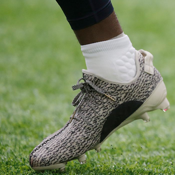 NFL Bans Kanye West s Yeezy Cleats 3a7320f8c