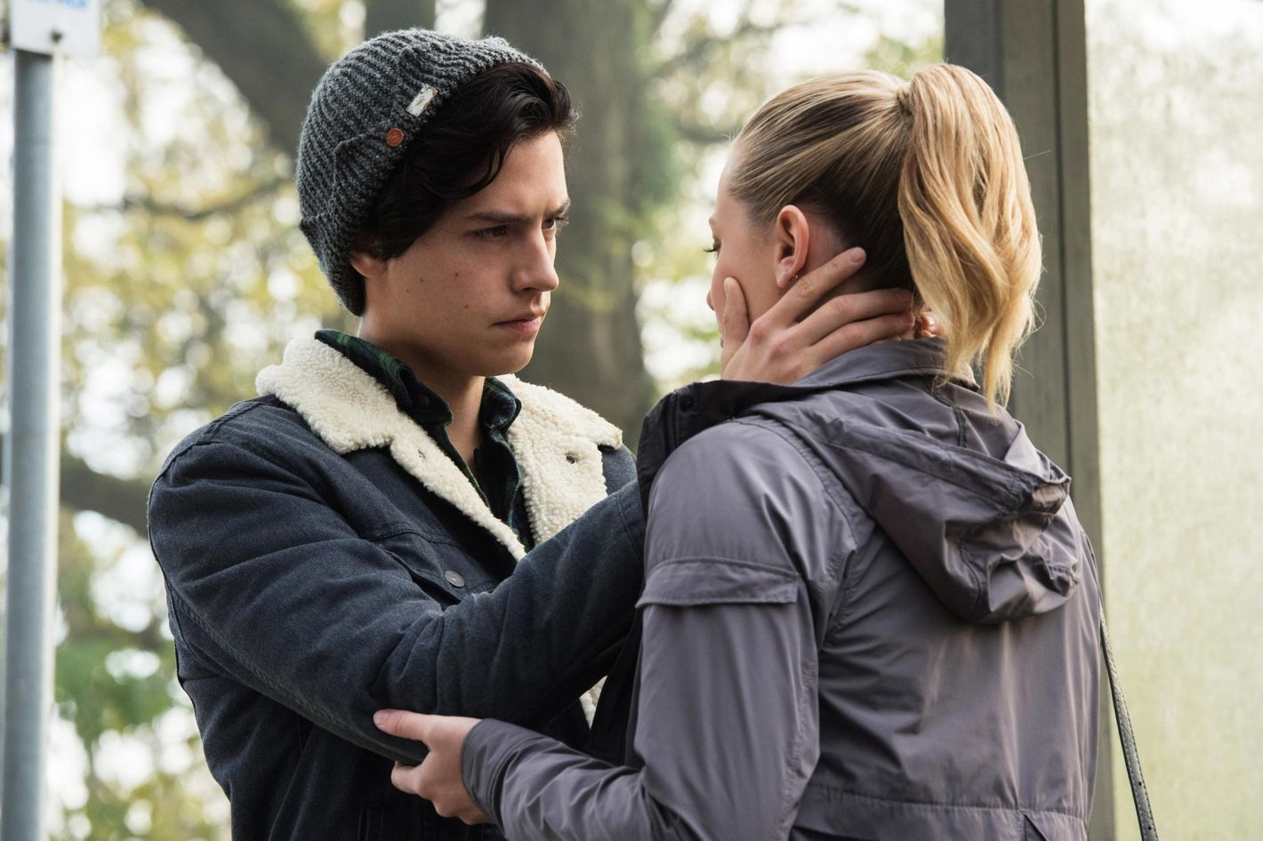 An Asexual's Defense of Jughead Kissing Betty on 'Riverdale'