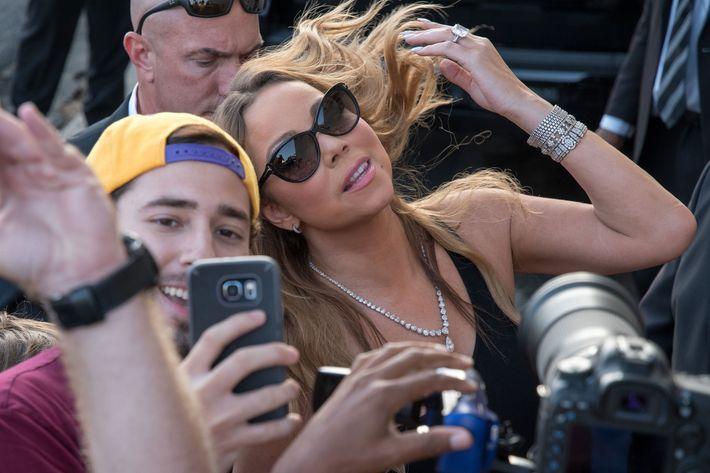 Mariah Carey and the cameras