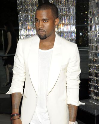 Kanye, apparently 24 pounds slimmer than he claims to be now.