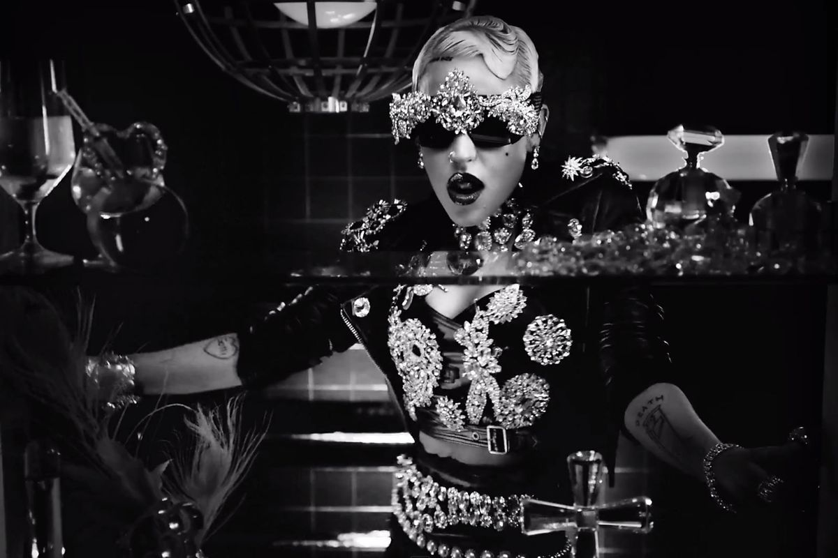 Brooke candy 39 s bejeweled opulence 50 most iconic for Definition of opulance