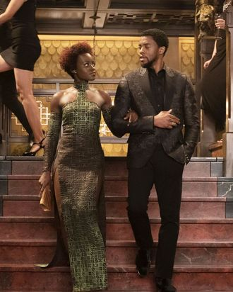 Black panthers costume designer on dressing women as queens before black panther the last time america saw images of black royalty in a major hollywood movie was coming to america in 1988 solutioingenieria Choice Image