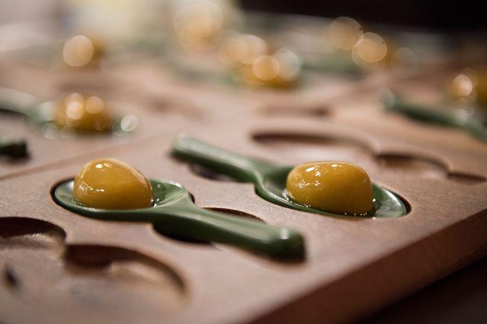 Cantina olives.