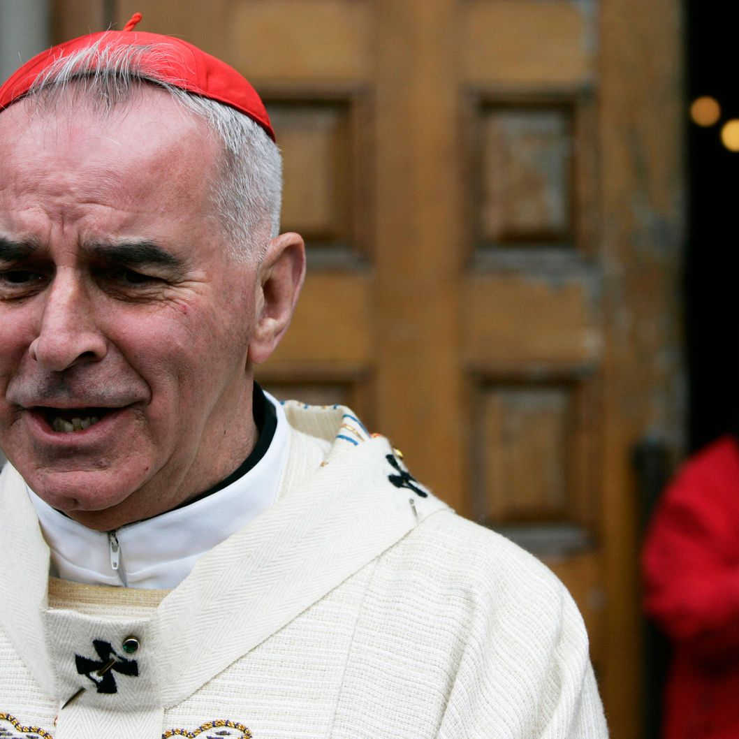 Cardinal Keith O'Brien speaks to waiting media outside St.Mary's Cathedral in Edinburgh, Scotland May 31, 2007. Cardinal O'Brien has said that Catholic politicians who defend abortion should not expect to remain full church members, local media reported.