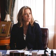 """""""Pilot"""" -- Téa Leoni stars as Elizabeth McCord, the newly-appointed Secretary of State, on MADAM SECRETARY, premiering on CBS, Sunday, Sept. 21 (8:30-9:30 PM, ET/PT).On the West Coast, MADAM SECRETARY will air at its regularly scheduled time of 8:00 PM, PT. Photo: Craig Blankenhorn/CBS  2014 CBS Broadcasting, Inc. All Rights Reserved"""