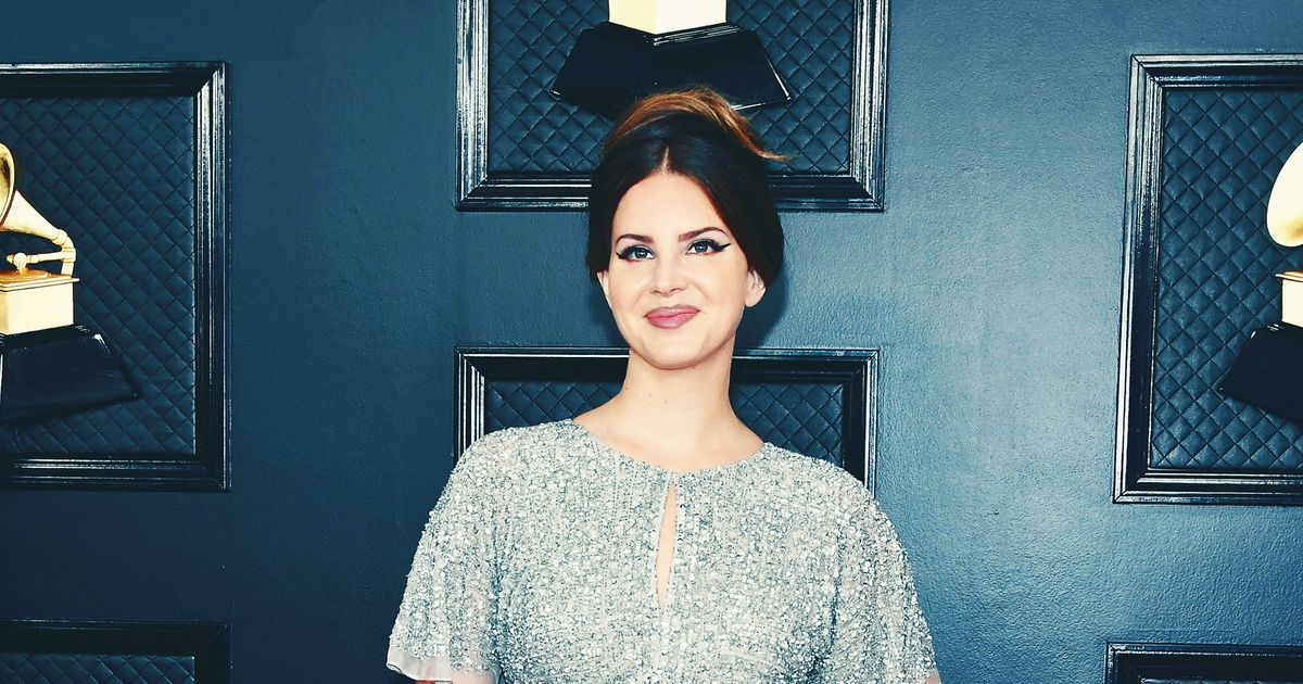 Of Course Lana Del Rey's Grammys Dress Is From 'the Mall'