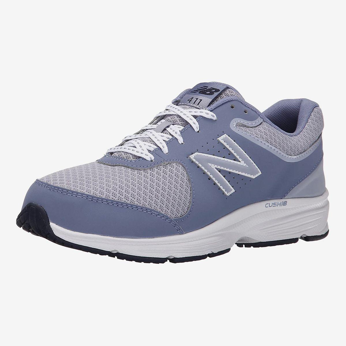 comfortable walking sneakers
