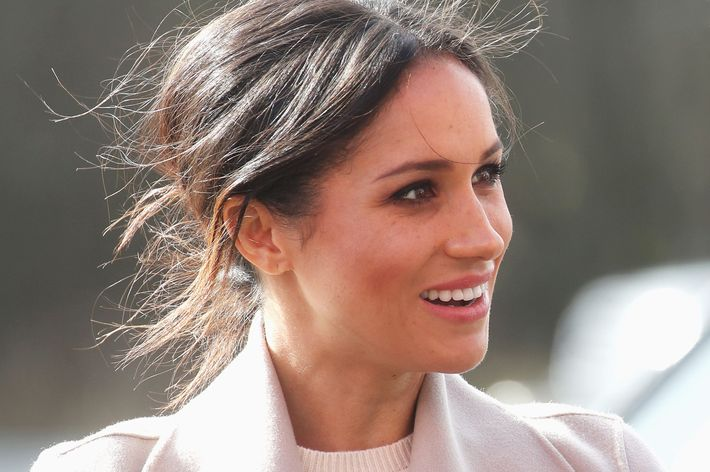 Meghan Markle Wears A Messy Bun On Pre Wedding Belfast Visit