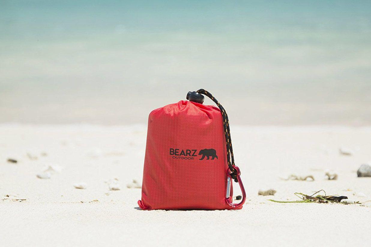 BEARZ Outdoor Beach Blanket/Compact Pocket Blanket