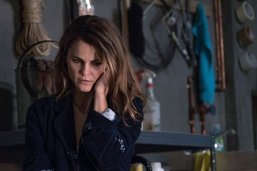 "THE AMERICANS -- ""EST Men"" Episode 301 -- Pictured: Keri Russell as Elizabeth Jennings. CR: Michael Parmelee/FX"