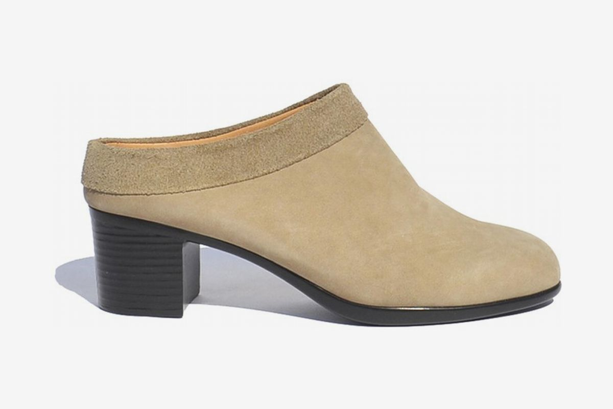 most comfortable women's casual shoes