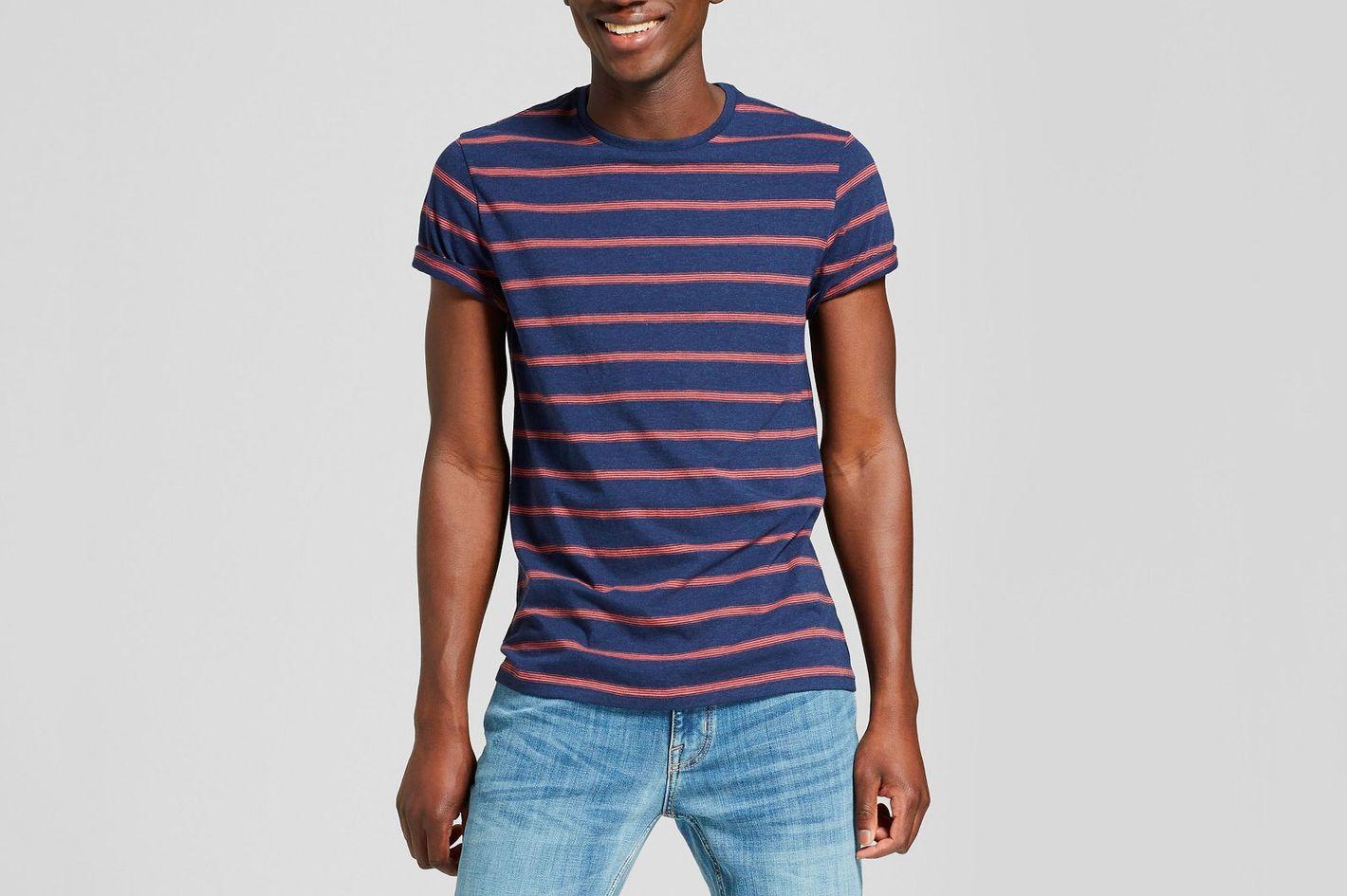 Goodfellow & Co. Men's Standard Fit Short Sleeve Crew Neck Novelty T-shirt