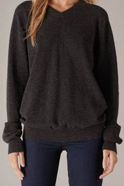 Naadam the Essential Cashmere V-Neck Sweater
