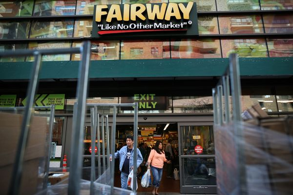 Inside the Collapse of Fairway, New York's Favorite, Failing Grocery Store
