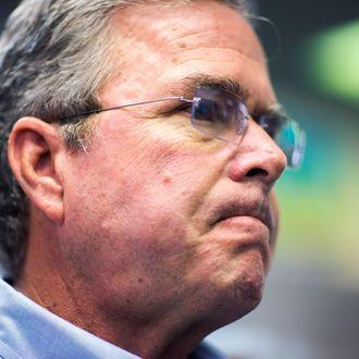 Republican Presidential Candidate Jeb Bush Campaigns in New Hampshire