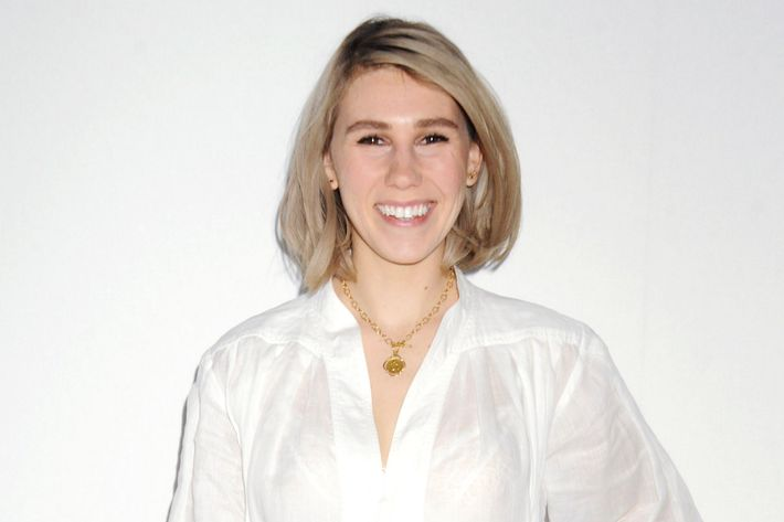 Zosia Mamet: toothbrush thrower.