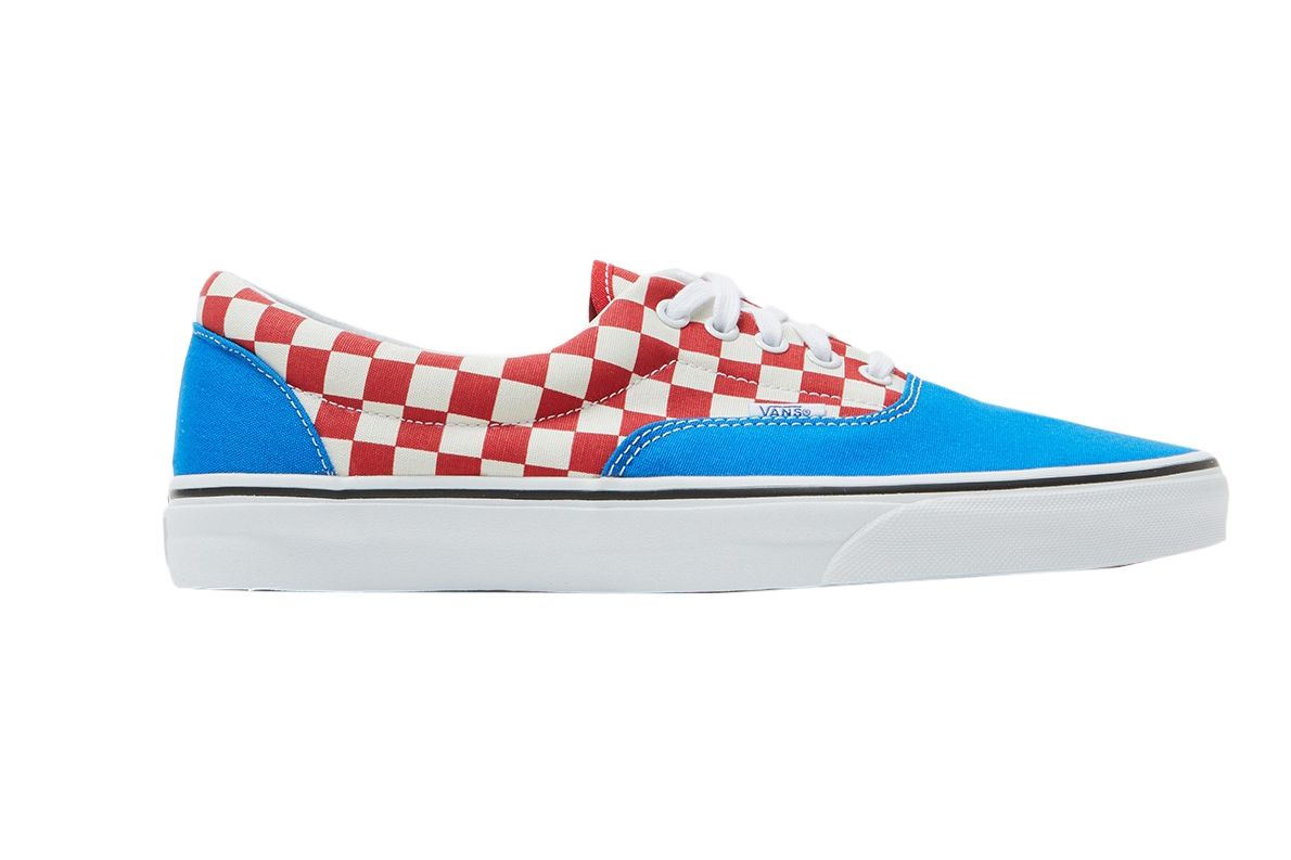 Vans UA Era in Imperial Blue