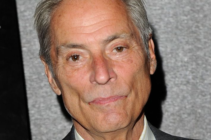 "NEW YORK - JUNE 21:  CBS News correspondent Bob Simon attends the premiere of ""South Of The Border"" at Cinema 2 on June 21, 2010 in New York City.  (Photo by Stephen Lovekin/Getty Images) *** Local Caption *** Bob Simon"