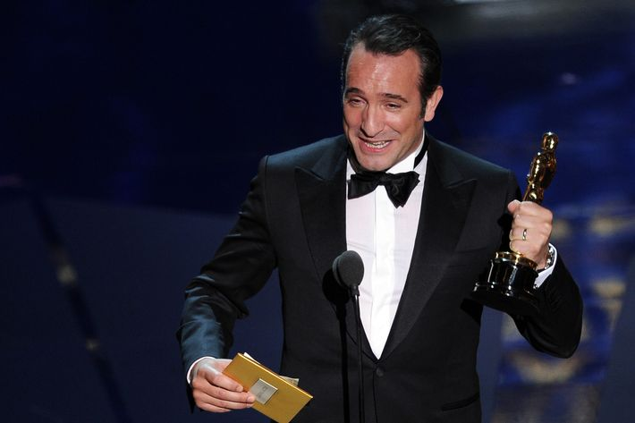 "Oscar winner for Best Actor for the movie ""The Artist"" Jean Dujardin addresses the audience onstage at the 84th Annual Academy Awards on February 26, 2012 in Hollywood, California. AFP PHOTO Robyn BECK (Photo credit should read ROBYN BECK/AFP/Getty Images)"
