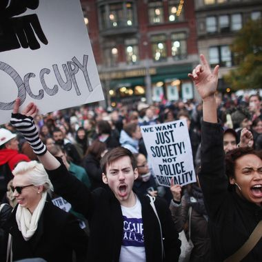 NEW YORK, NY - NOVEMBER 17:  A large gathering of protesters affiliated with the Occupy Wall Street Movement attend a rally in Union Square on November 17, 2011 in New York City. Protesters attempted to shut down the New York Stock Exchange today, blocking roads and tying up traffic in Lower Manhattan.  (Photo by Spencer Platt/Getty Images)