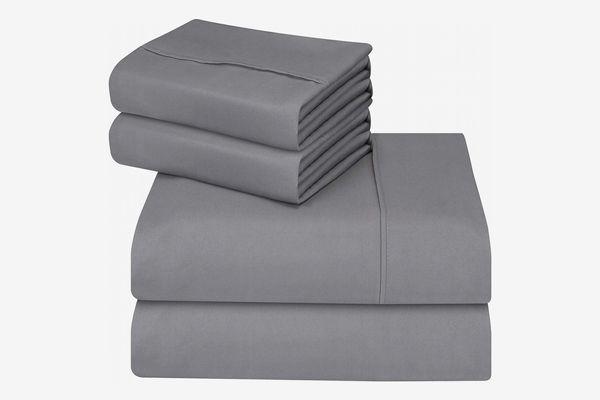 Utopia Bedding 4-Piece Queen Bed Sheets Set