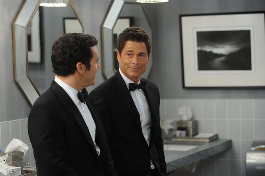 "THE GRINDER:  L-R:  Fred Savage and Rob Lowe in the ""Little Michard No More"" episode of THE GRINDER airing Tuesday, Oct. 13 (8:30-9:00 PM ET/PT) on FOX.  ©2015 Fox Broadcasting Co.  Cr:  Ray Mickshaw/FOX"