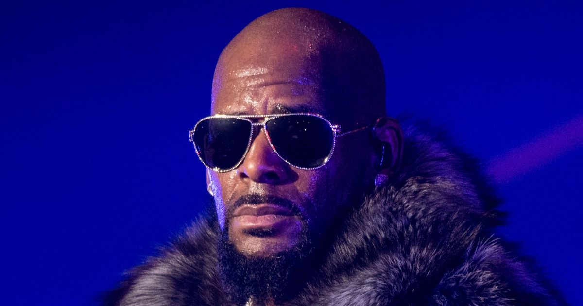 Police Confront R. Kelly in Chicago After Receiving Tip About Alleged Hostages