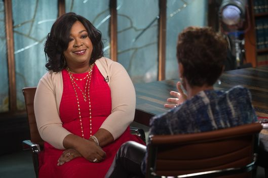 "GOOD MORNING AMERICA - Robin Roberts gets a behind-the-scenes look at ""Shondaland"" - Shonda Rhimes and her stable of hit series for ABC Television, which will air on GOOD MORNING AMERICA, starting Thursday, Sept. 18 (7-9am, ET).  (Photo by Todd Wawrychuk/ABC via Getty Images) *** Local Caption *** SHONDA RHIMES; ROBIN ROBERTS  SHONDA RHIMES, ROBIN ROBERTS"