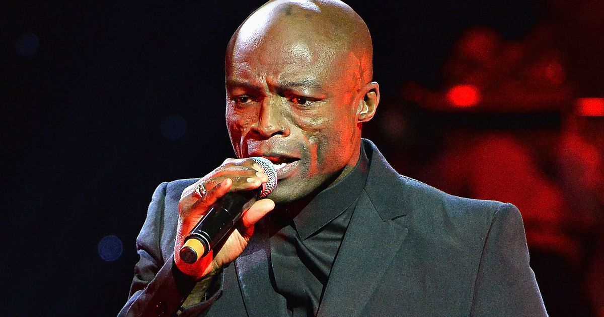 Seal performs on stage at Magic FM's Magic of Christmas concert at London Palladium on November 26, 2017 in London, England.