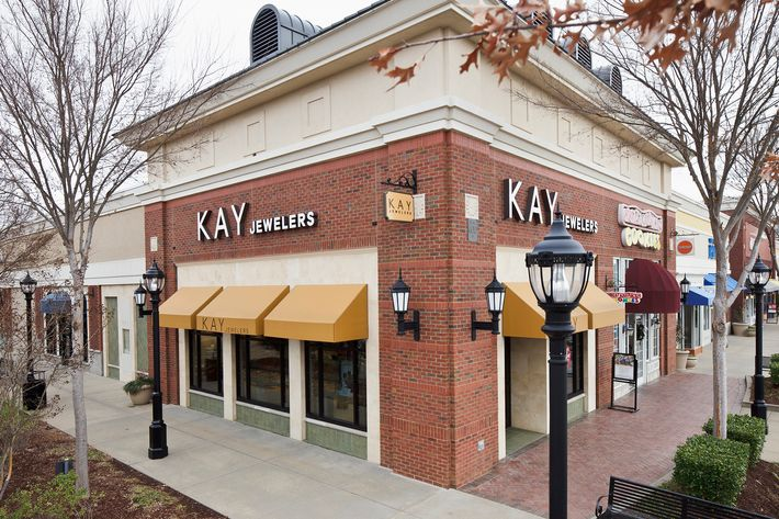 Kay and Jared Jewelers Faces SexualHarassment Lawsuit
